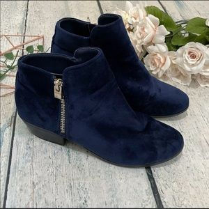 Call it Spring 7 blue ankle booties velvet zipper